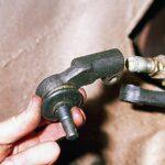 Как поменять рулевые наконечники на ваз 2110 своими руками