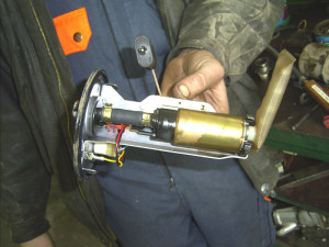 Поменять бензонасос на ВАЗ-2110