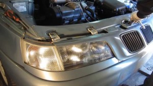 Снятие фар с автомобиля ВАЗ-2110