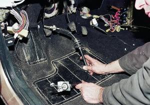 Замена тросика газа на ВАЗ-2110