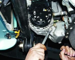 Снять генератор на ВАЗ-2110