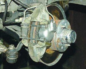 Прокачать тормоза на ВАЗ-2106