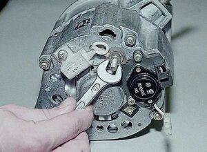 Генератор на ВАЗ-2107