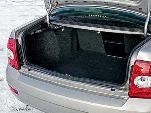 Багажник Лады Приора седан