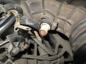 Заливает свечи на автомобиле ВАЗ-2109 карбюратор