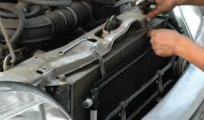 Пошаговая замена радиатора охлаждения Шевроле Нива