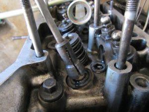 Замена маслосъемных колпачков ВАЗ-2107