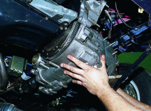 Снятие коробки передач ВАЗ-2109