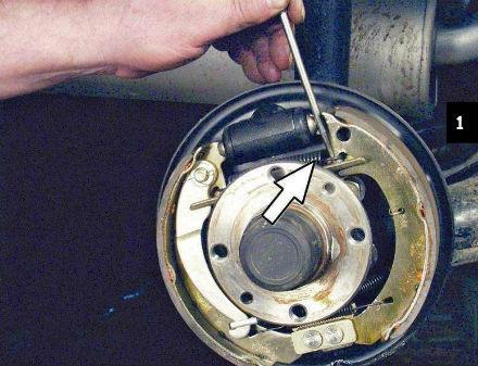 Замена задних тормозных колодок своими руками на ваз 2107 43
