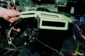 Снять вентилятор печки ВАЗ-2115