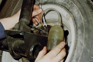 Прокачать тормоза на ВАЗ 2110