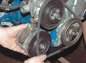 Замена ремня генератора ВАЗ-2107 инжектор