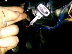 Завести ВАЗ-2107 без ключа