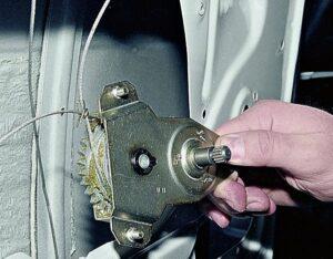 Замена стеклоподъемника на ВАЗ-2107