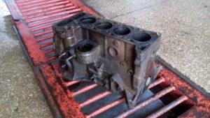Ремонт двигателя ВАЗ-2103