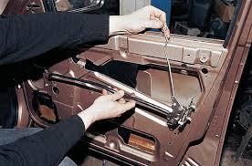 Как можно открыть ВАЗ-2110 без ключа